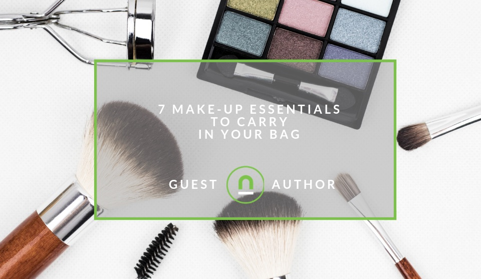 Essential make up kit for every handbag